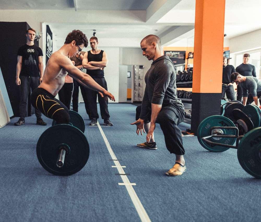 Kraft- und Gesundheitstrainer Trainerschein Kreuzheben Kniebeugen Workshop