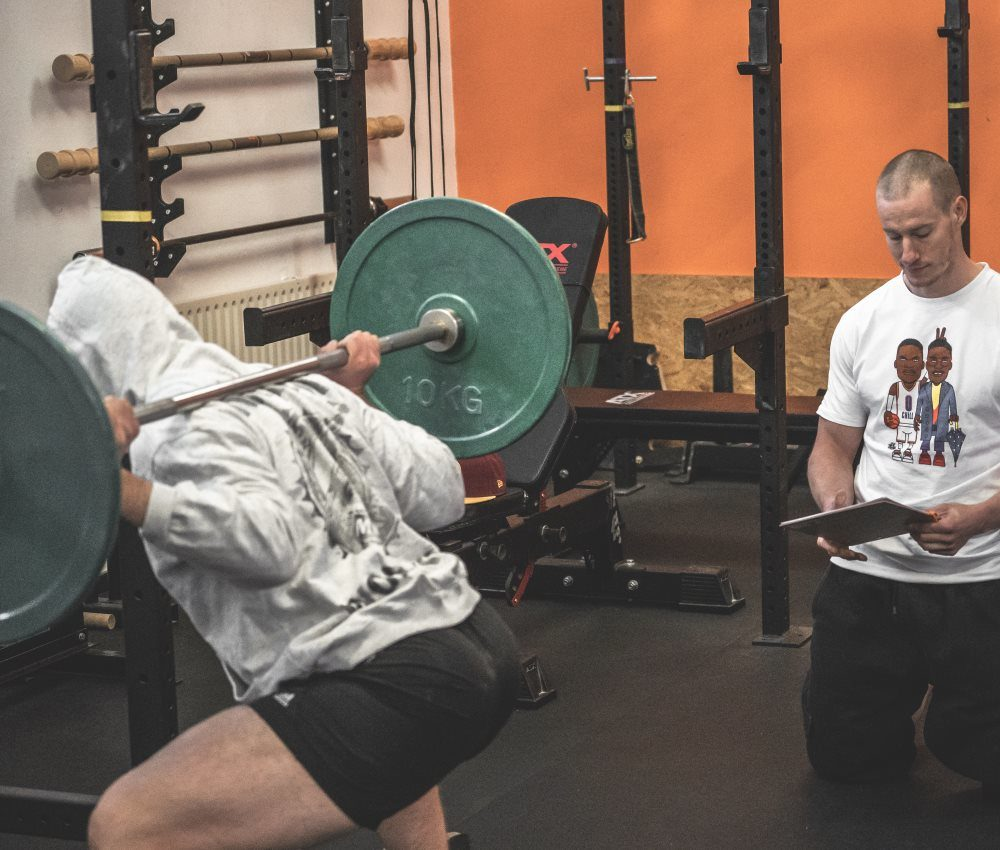 Abschlussprüfung Strength First Kniebeugen Trainerausbildung
