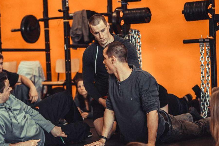 Kraft- und Gesundheitstrainer Trainerschein Strength First Rehabilitation Bindegewebe Verletzungen
