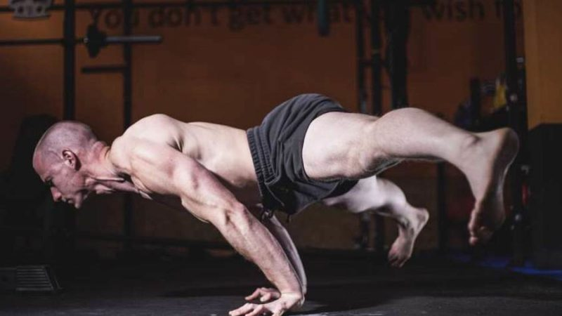 Chris Eikelmeier Straddle Planche Calisthenics
