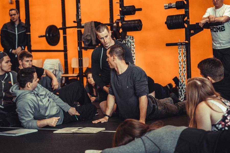 Rückenschule Warstein McKenzie Physiotherapie Bandscheiben
