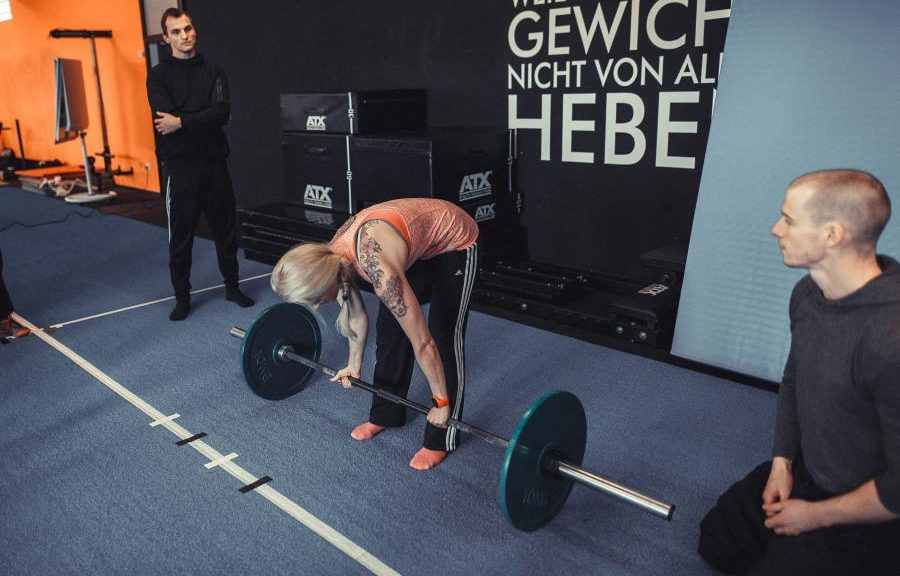 Rund heben Kreuzhebetechnik How to Deadlift